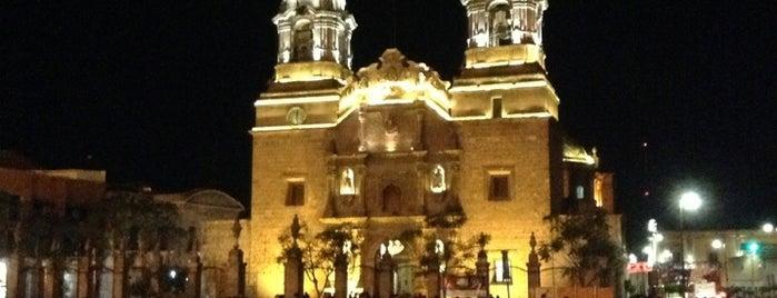 Catedral Basílica de Nuestra Señora de la Asunción de las Aguas Calientes is one of สถานที่ที่ Lore ถูกใจ.