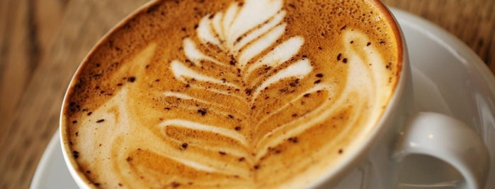 Café Ayen is one of Tempat yang Disukai Catherine.