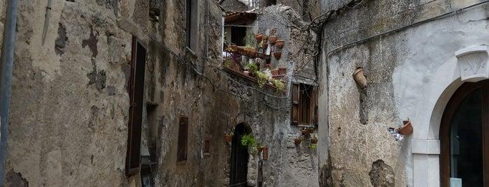 Casertavecchia is one of Locais curtidos por Fedor.