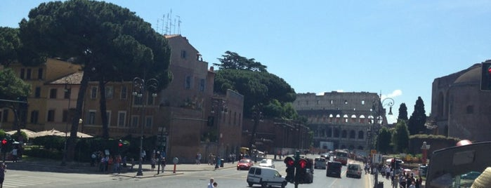 Open Bus City Sightseeing Stop - Roma Termini is one of Bahaさんのお気に入りスポット.