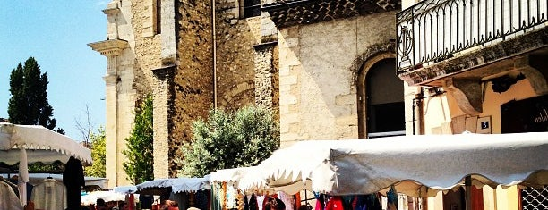 Marché de Forcalquier is one of Locais curtidos por Riann.