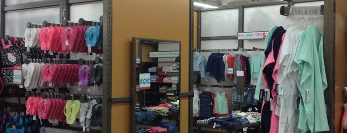 Old Navy is one of Locais curtidos por Leah.