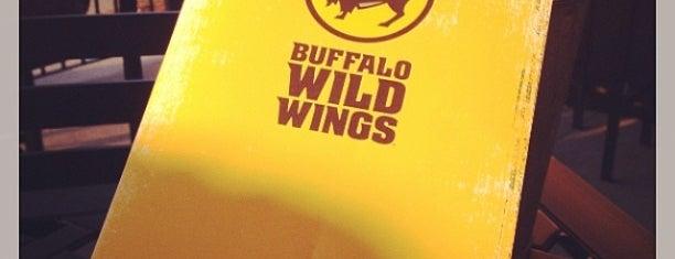 Buffalo Wild Wings is one of Lieux qui ont plu à Matt.