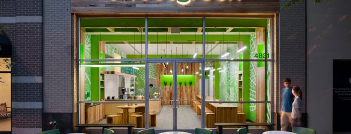 sweetgreen is one of Tempat yang Disukai Ashley.