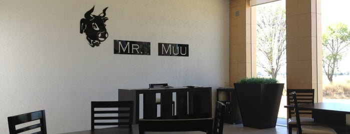 Mr. Muu is one of Tempat yang Disukai Fernando.