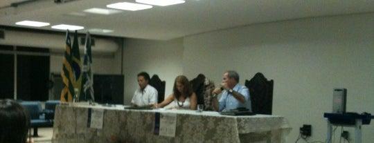 Salão Nobre Faculdade de Direito UFG is one of Lieux qui ont plu à Marcos Aurelio.