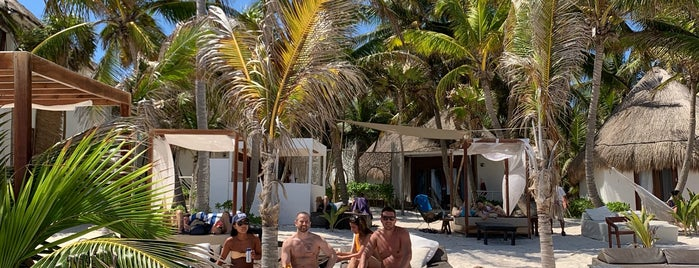 Los Amigos Beach is one of Julianさんのお気に入りスポット.