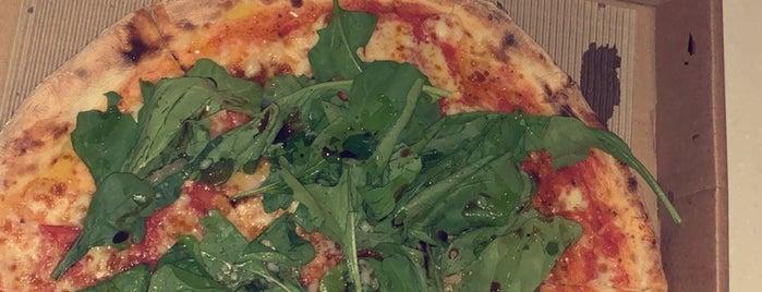 Pizzaratti is one of Queen 님이 저장한 장소.
