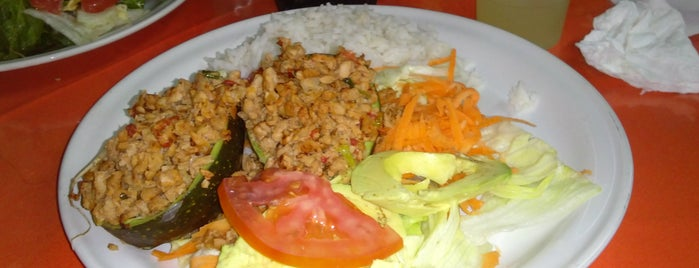 Golden Restaurante Vegetariano is one of Orte, die Mariel gefallen.