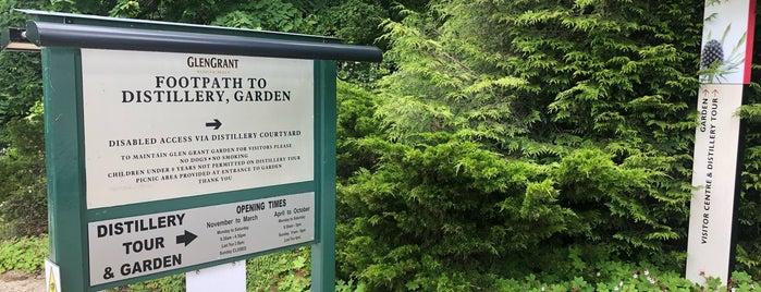 Glen Grant Distillery And Garden is one of Orte, die Brett gefallen.