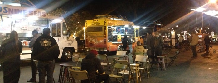 Food Truck Tuesday is one of Posti che sono piaciuti a Ryan.