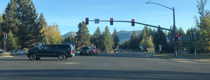 City of South Lake Tahoe is one of Tempat yang Disukai Claudio.