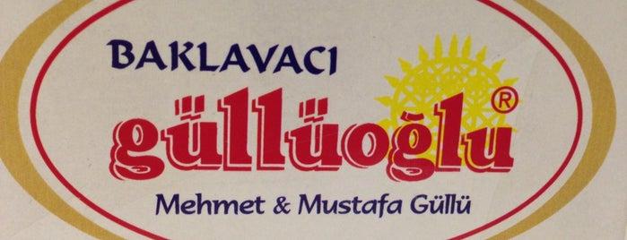 Güllüoğlu Baklavaları is one of cevat'ın Kaydettiği Mekanlar.