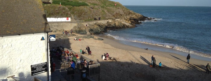 Porthgwidden Beach is one of South West UK.