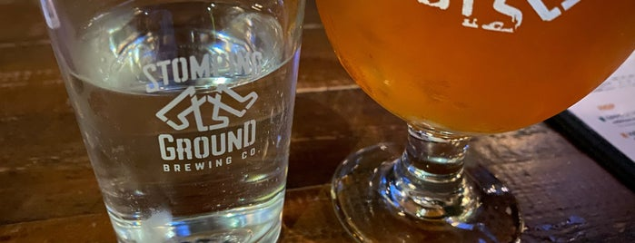 Stomping Ground Brewery & Beer Hall is one of สถานที่ที่ Carlos Alberto ถูกใจ.