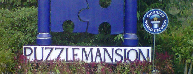 Puzzle Mansion is one of Carla Regina's Liked Places.