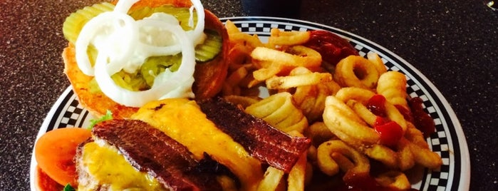 Wallbanger's Gourmet Hamburgers is one of Lugares favoritos de Poncho.