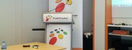 TradeTracker is one of Locais curtidos por Dylan.