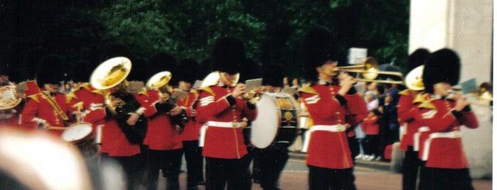 Changing of the Guard is one of Tempat yang Disimpan Deborah Lynn.