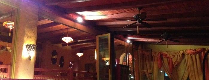 Curry Club is one of Orte, die Alejandra gefallen.