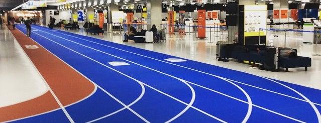 Terminal 3 is one of Lieux qui ont plu à Karen M..