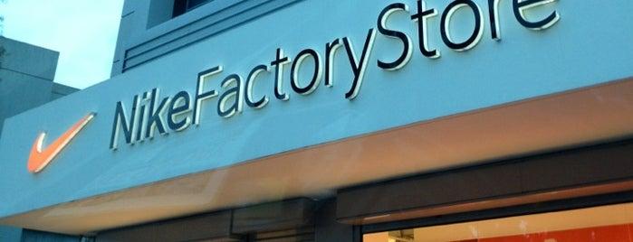 Nike Factory Store is one of Δημητρα'ın Beğendiği Mekanlar.