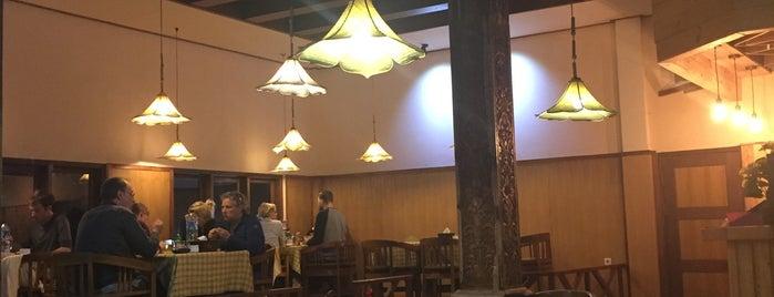 Café Lava Hostel is one of Bromo Istimewa.