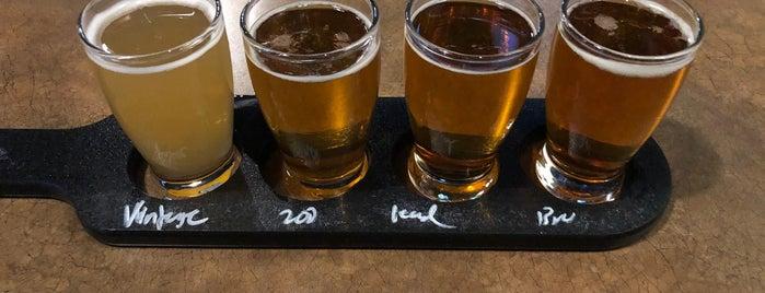 Brues Alehouse Brewing Co. is one of Lugares guardados de Kyle.