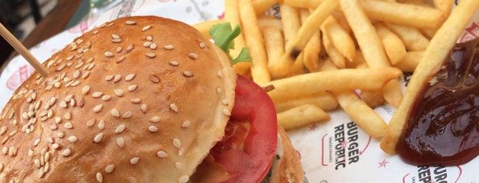 Burger Republic is one of Locais curtidos por Ceren.