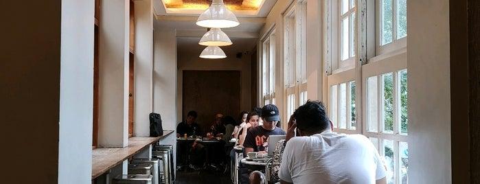 Lucky Cat Coffee & Kitchen is one of Locais curtidos por Yohan Gabriel.