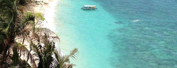 Raymen Beach Resort is one of Locais curtidos por Angelika.