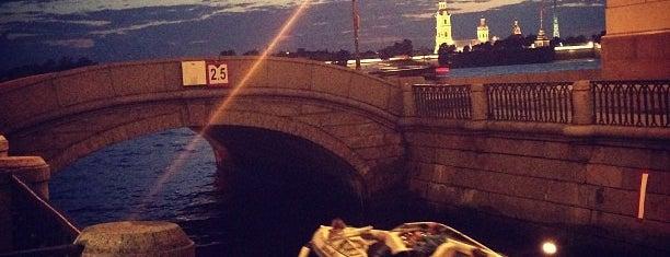 Эрмитажный мост is one of Locais curtidos por Egor.