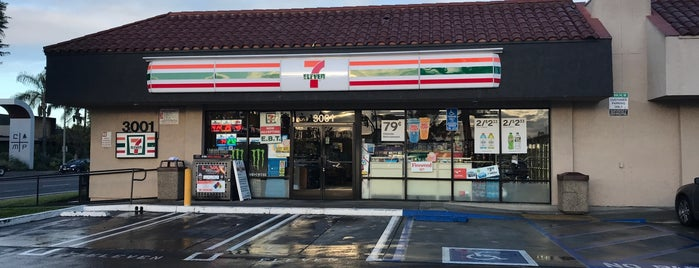 7-Eleven is one of Sergio M. 🇲🇽🇧🇷🇱🇷さんのお気に入りスポット.