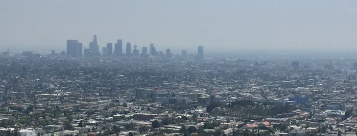 Observatoire Griffith is one of Top 5 Make-Out Spots LA.