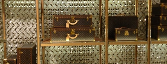 Louis Vuitton is one of Gespeicherte Orte von Andrew.