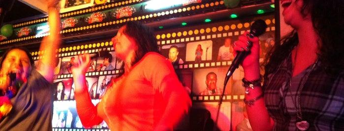 Star Box Karaoke is one of Lieux qui ont plu à Maria del Pilar.