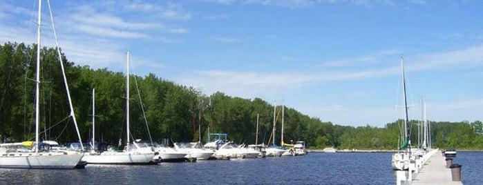 Marina de Trois-Rivières is one of Mirinha★ 님이 좋아한 장소.