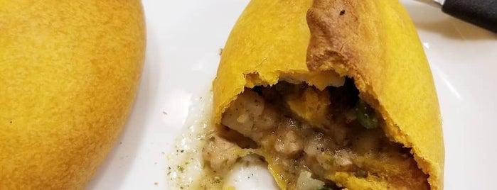 Ekeko Salteñas y Empanadas is one of Posti che sono piaciuti a Mauricio.
