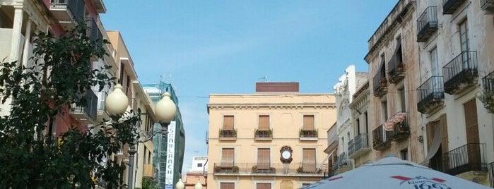 Plaça De Les Cols is one of Carlos 님이 좋아한 장소.