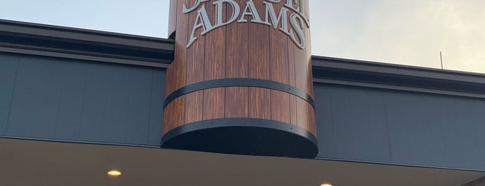Samuel Adams Brewhouse is one of Lugares favoritos de Latonia.