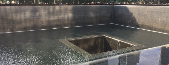 9/11 Memorial North Pool is one of Andresさんのお気に入りスポット.