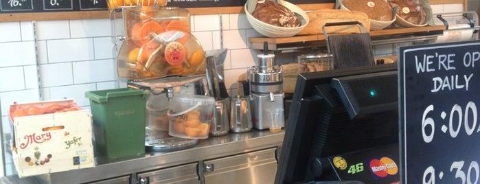 Pano Brot & Kaffee is one of Orte, die Simone gefallen.