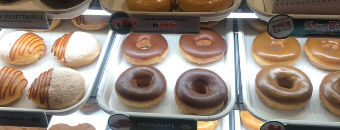 Krispy Kreme Santa Fe is one of Los mejores lugares.