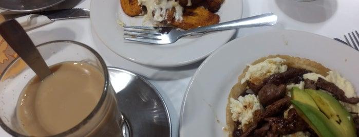 Gran Café de la Parroquia de Veracruz is one of สถานที่ที่ Joaquin ถูกใจ.