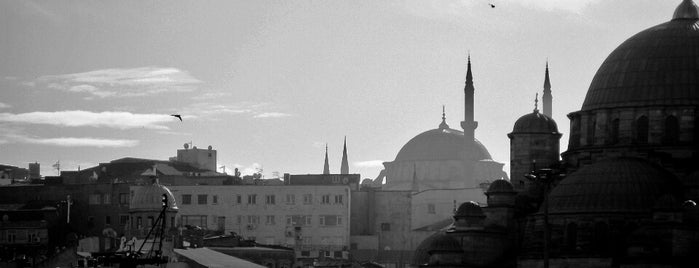 Eminönü Meydanı is one of mekanlarım :)).