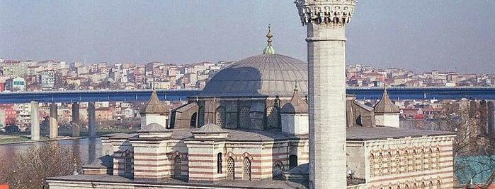 Zal Mahmut Paşa Camii is one of İstanbul'daki Mimar Sinan Eserleri.