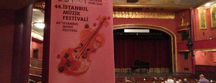 Süreyya Operası is one of Lieux qui ont plu à Umut Koray.