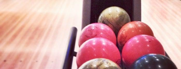 Oslo Bar og Bowling is one of Posti che sono piaciuti a Anders.