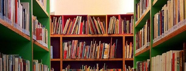 Biblioteca José Mindlin is one of 200 programas para fazer em SP.