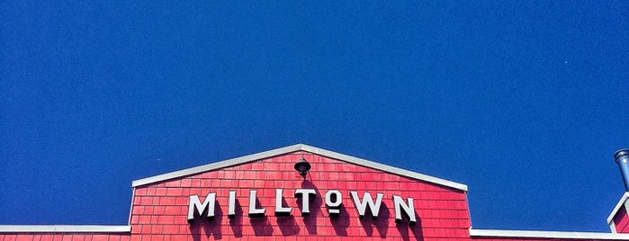Milltown Bar & Grill is one of Vancouver.